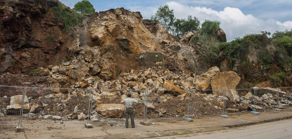 Cantur prepara el terreno para reconstruir la caseta de las jirafas durante este verano