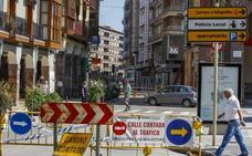 Una prueba de carga comprobará los efectos del edificio apuntalado en la calle José María Pereda