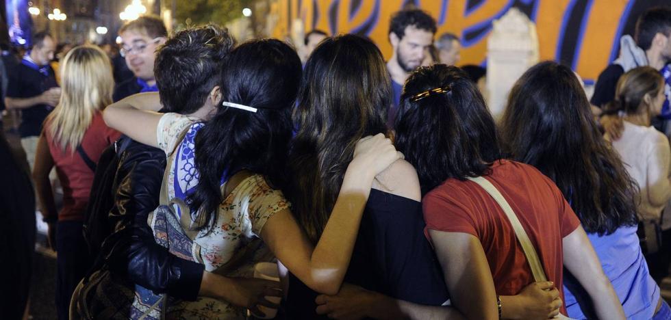 Los ayuntamientos de Cantabria no bajan la guardia para evitar el acoso a las mujeres en fiestas