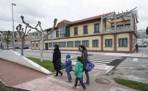 Obras Públicas financiará el 70% de las obras de las antiguas oficinas de Cros y las escuelas de Igollo