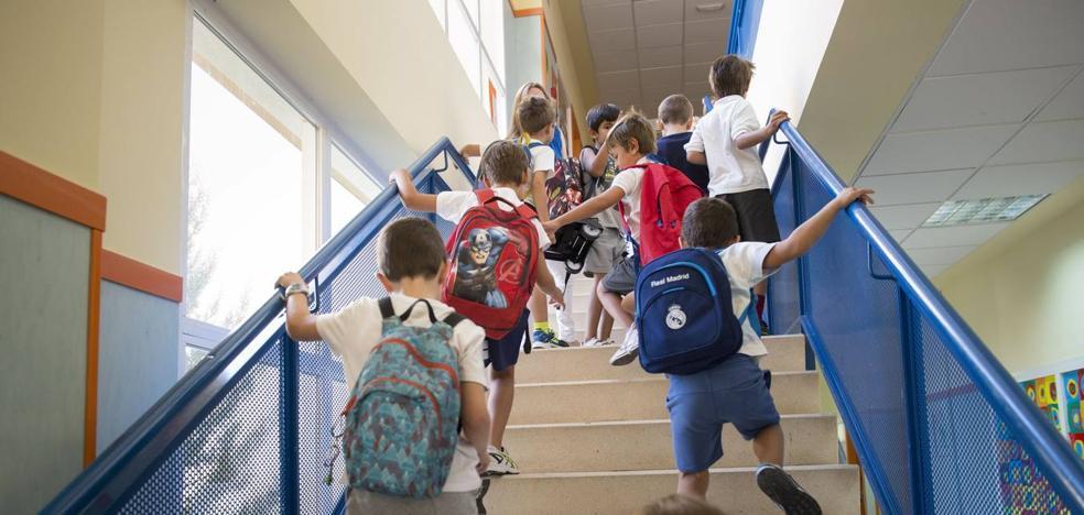 El PP censura el «espectáculo lamentable» del calendario escolar