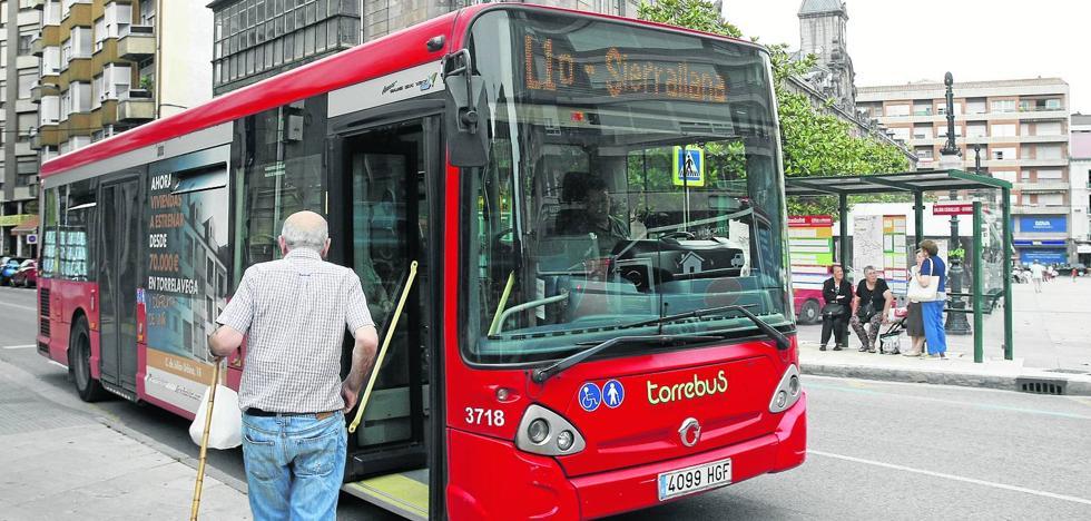 El 68% de los usuarios del Torrebús considera el servicio como «bueno»