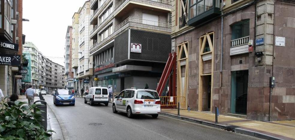 Reabierta al tráfico la calle José María Pereda de Torrelavega