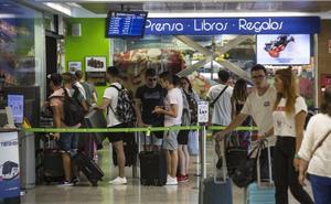 El Seve afronta su semana grande: 30.000 pasajeros y 188 vuelos