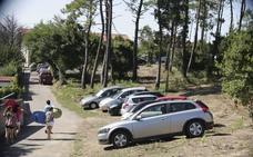 Dos adolecentes, investigados por robar objetos de coches aparcados en las playas de Somo y Loredo