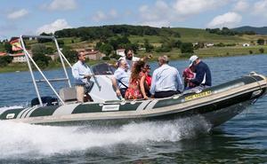 El pantano del Ebro potencia el turismo acuático