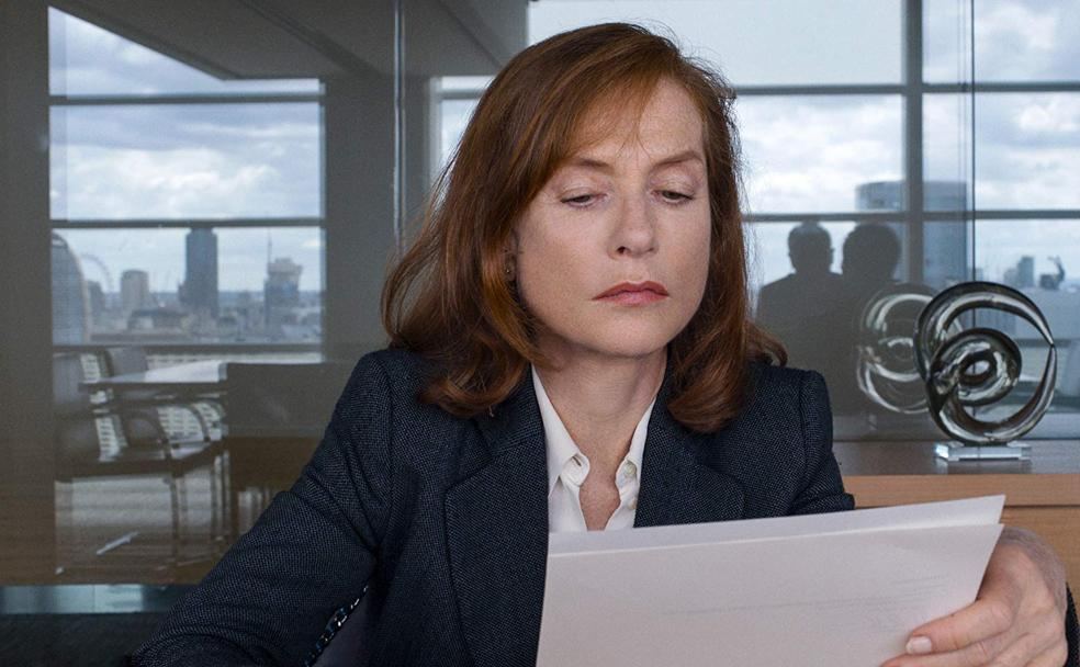 Isabelle Huppert es la protagonista de 'Happy End' (2017)./