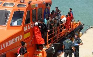 Se elevan a 294 los inmigrantes rescatados en el Estrecho a bordo de 17 pateras