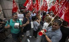 El sector de la limpieza se acerca a un acuerdo con los sindicatos divididos