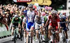 Demare esprinta hacia la tercera victoria francesa del Tour
