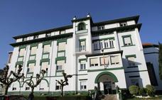 La venta de dos pisos heredados deja a la Residencia de Castro 500.000 euros