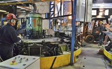Los trabajadores de Fundinorte impiden la salida de material de la fábrica