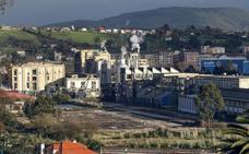 Los vecinos de Duález denunciarán ante la Fiscalía el peligro de incendio y explosiones en Sniace