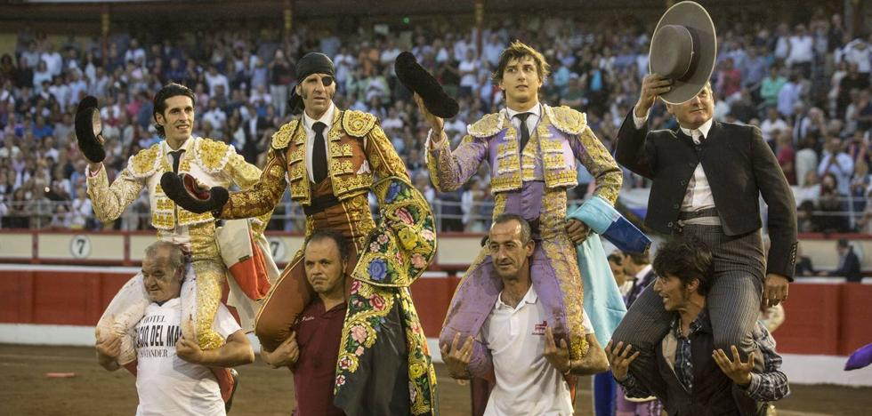 Roca Rey y Alejandro Talavante, triunfadores de la feria taurina