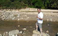El presidente de la Cofradía de Comillas denuncia el traslado de arena en Luaña