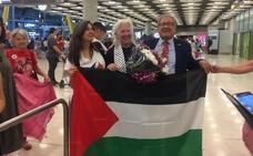 La cántabra detenida por Israel junto a la Flotilla de la Libertad ya está de vuelta en Madrid