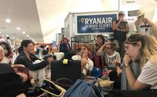 El vuelo de Ryanair procedente de Budapest cancela su aterrizaje en el Seve Ballesteros por la niebla