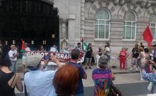 Concentración en Santander contra la detención de la Flotilla de la Libertad por Israel