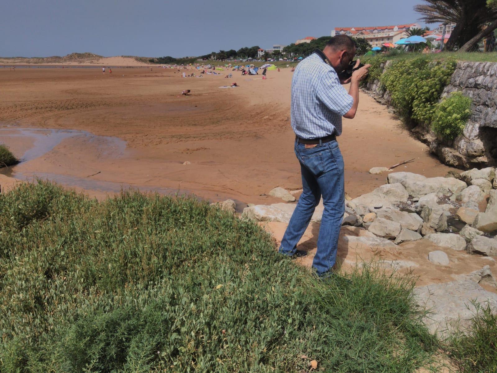 El laboratorio del CIMA confirma los vertidos fecales en la playa de Usil