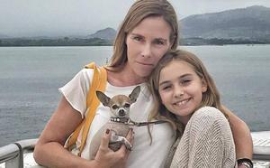 La chihuahua que conquista las redes se lo pasa 'Pippa' en su visita a Santander