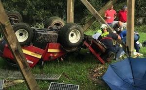 Herido un hombre al caer desde un puente en el campo de golf de Comillas