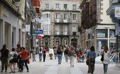 Paseo de la fama en la calle Serafín Escalante de Torrelavega