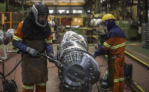 Un trabajador joven cobra en Cantabria menos de la mitad del salario medio