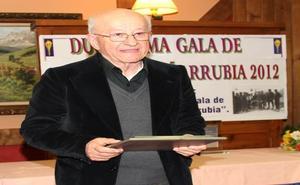 El pleno de Camaleño nombra al investigador jesuita Eutimio Martino cronista oficial del municipio