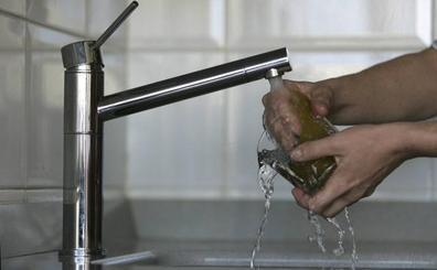Díaz Tezanos: «El suministro de agua está garantizado todo el verano en Cantabria»