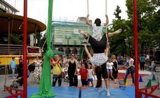 Un circo al aire libre en la Plaza Mayor de Torrelavega