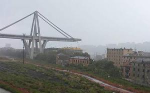 Se derrumba un puente de una autopista italiana en Génova