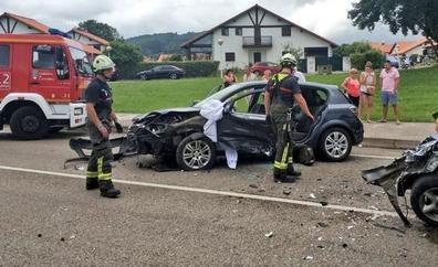 Cuatro heridos en una colisión múltiple en Arnuero