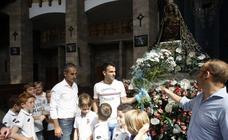 Ofrenda floral de la Gimnástica a la Virgen Grande