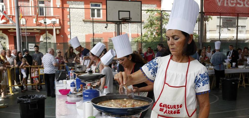 Isabel Rodríguez y Giovanna Ruiz ganan el concurso de arroz celebrado en La Llama