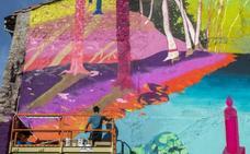 Los artistas vuelven a pintar grandes murales en los edificios de Reinosa