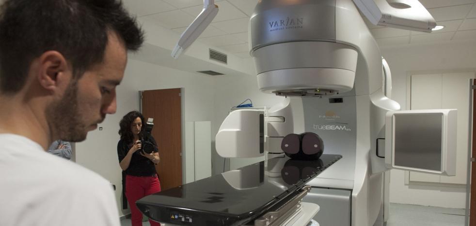 Valdecilla estrena su segundo equipo puntero para sesiones de radioterapia