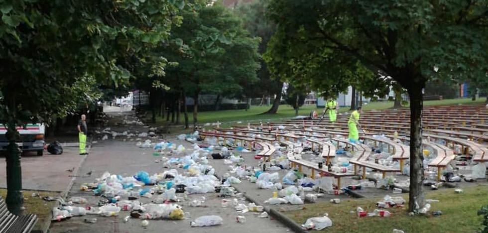 Policías locales de Torrelavega denuncian que no existe voluntad política de impedir el botellón