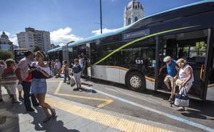 Las nuevas líneas del MetroTUS a las playas desplazaron a 150.000 personas en julio