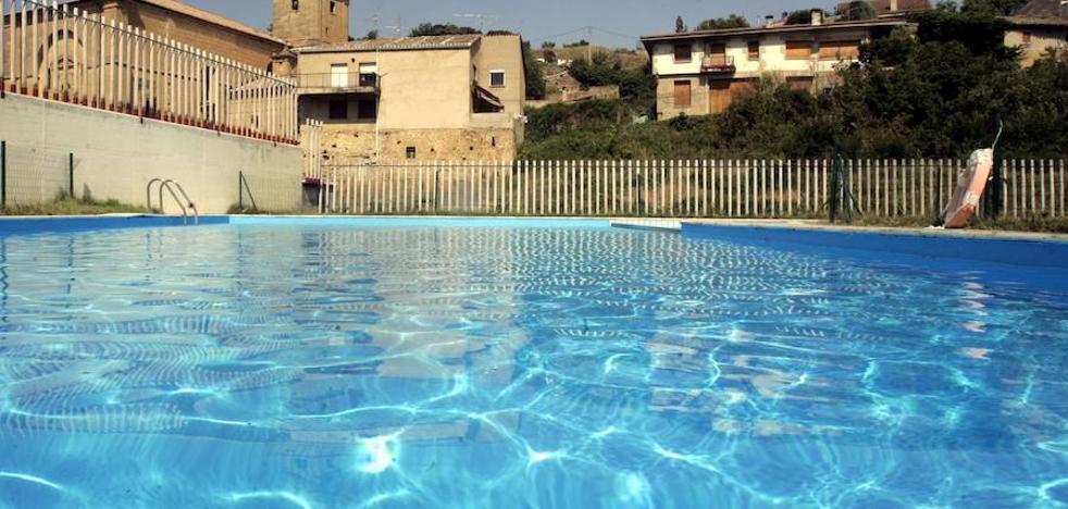 Muere un niño de 11 años tras caer en la piscina de un chalé de Alicante