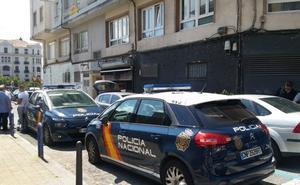 Muere apuñalado un hombre de 39 años en una pelea a la salida de un pub en Puertochico