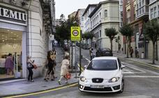 Arrancan los cambios de dirección y los nuevos semáforos que acompañarán las obras de la calle Cervantes