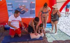 El Ris y Ostende acogen talleres de prevención y auxilio en el mar