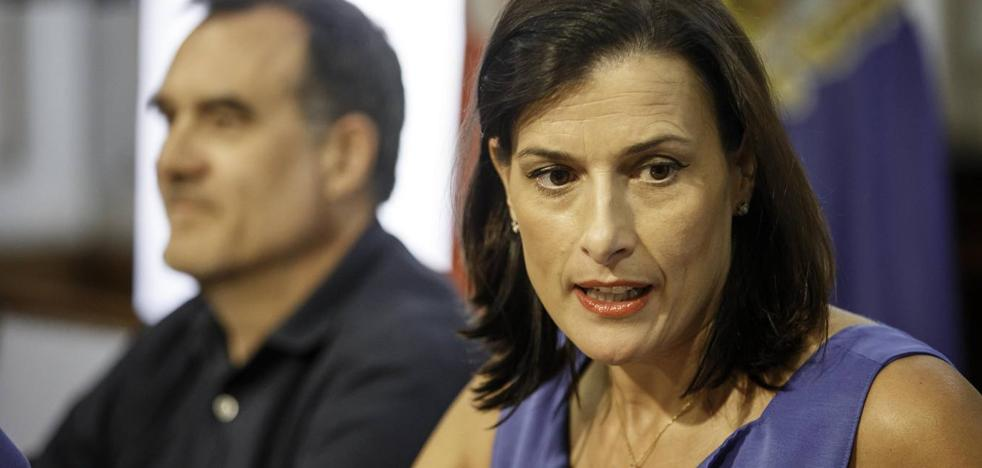«Por supuesto que no voy a dejar de ser la alcaldesa de Santander ni voy a prescindir de ningún concejal»