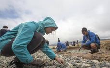 18 jóvenes de seis países realizan labores de conservación en Hazas de Cesto