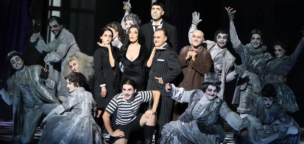 Love of Lesbian, 'La Familia Addams' y la Sinfónica de la BBC, en la temporada de otoño-invierno del Palacio de Festivales