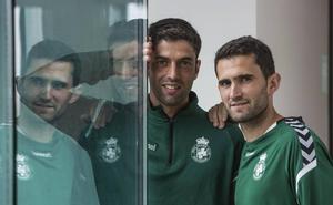 Juanjo y Antonio Tomás aspiran a seguir en un Racing que ya les ha relegado