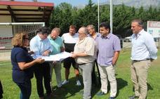 El Gobierno invertirá 600.000 euros para remodelar el campo de fútbol de Tama