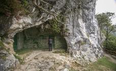 La Cuevas de Covalanas estará señalizada desde la A-8