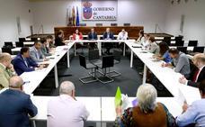Las Mesas de Movilidad denuncian la «escalada de retrasos y cancelaciones» de las cercanías de Cantabria