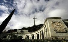 El PP se propone recurrir el decreto del Gobierno para exhumar a Franco